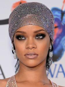Rihanna-CFDA-Fashion-Awards-2014